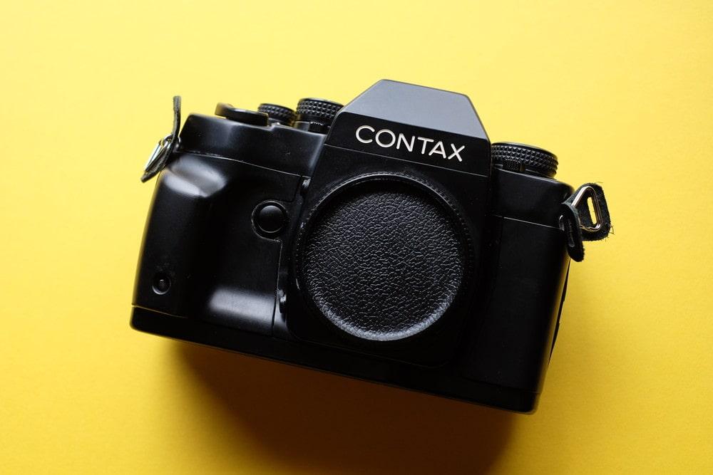「フィルムカメラ「CONTAX RX」の使い方を徹底解説!」のアイキャッチ画像